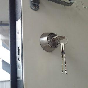 鍵交換後の玄関鍵